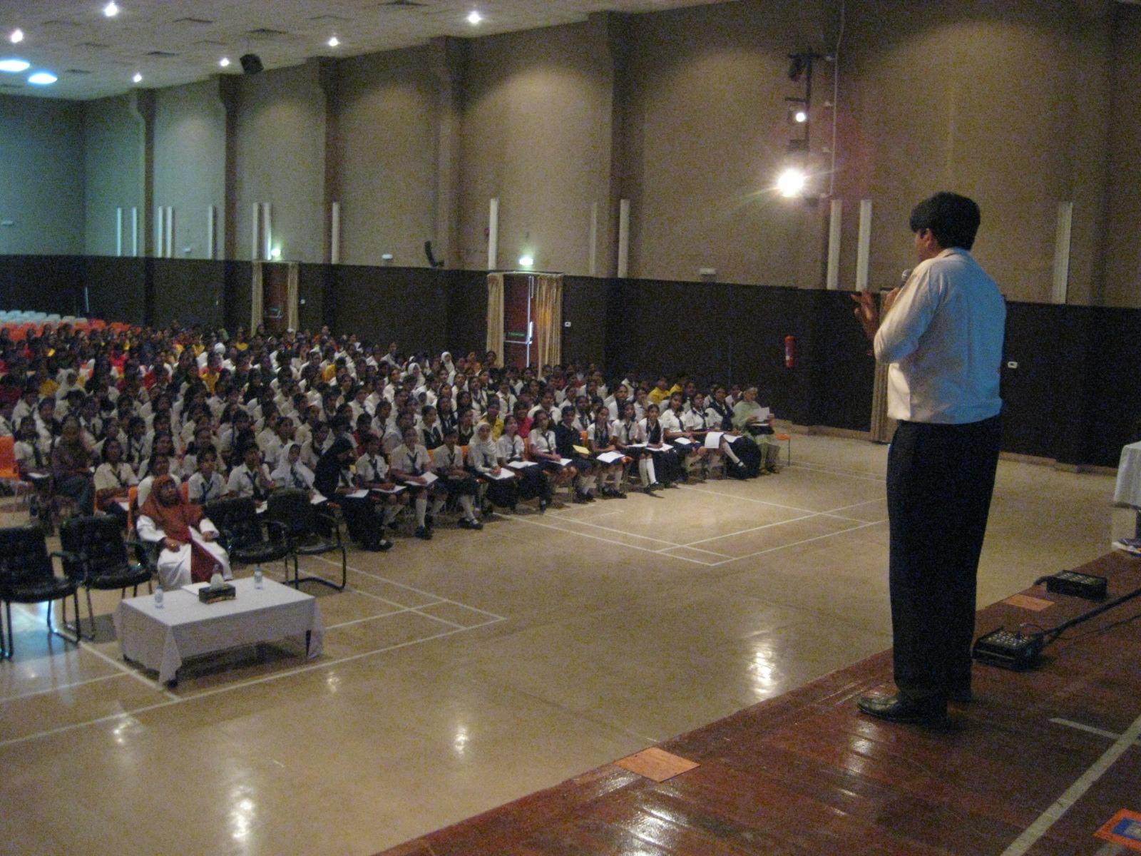 Dhaval Bathia explaining a memory trick