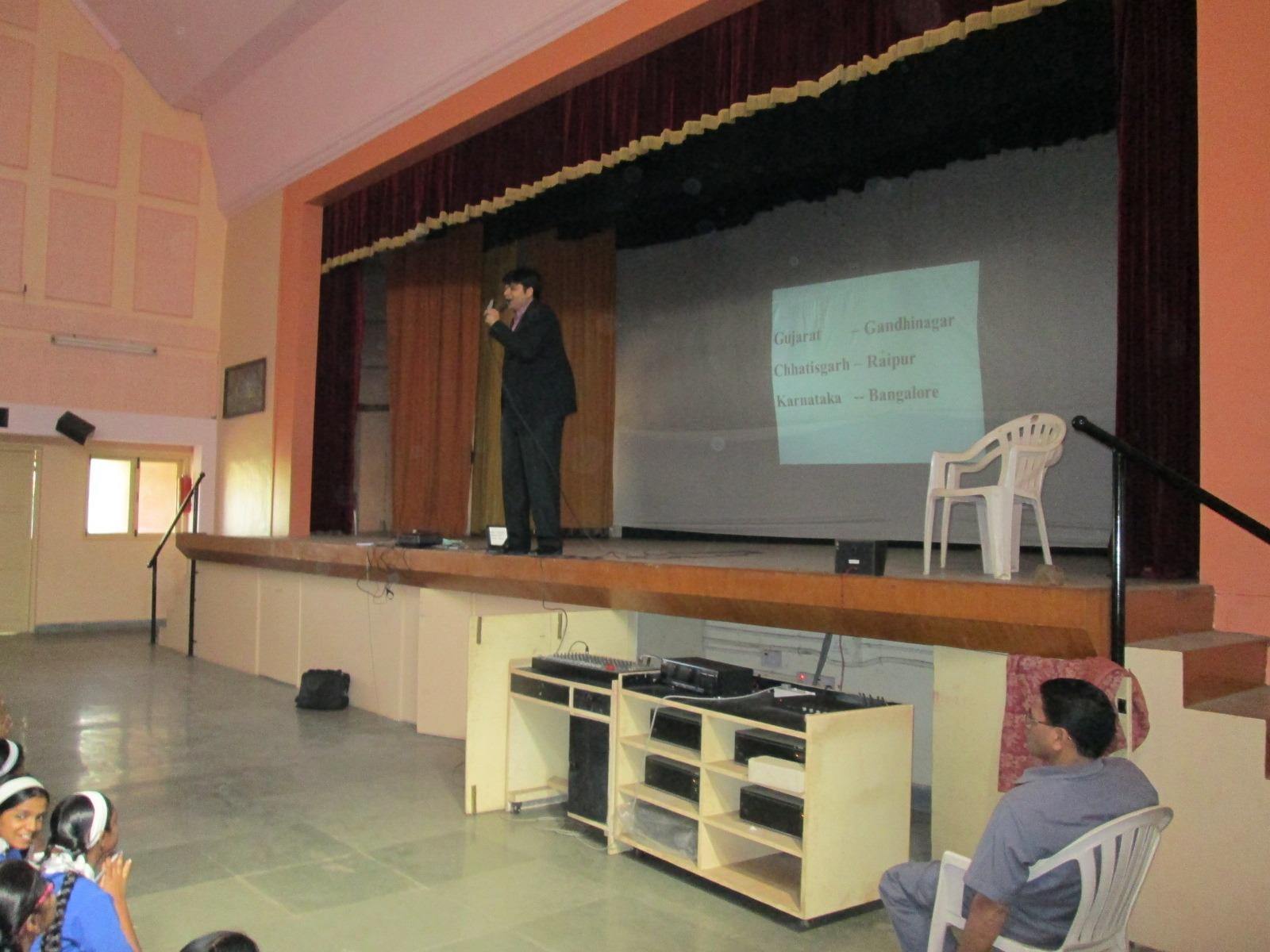 Dhaval Bathia teaching a memory trick